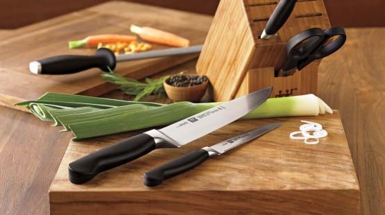 Petrovy kuchařské začátky, aneb dobrý nůž je základ