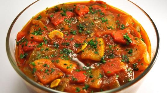 Peperonata – zeleninová omáčka s chutí chilli – recept zdarma