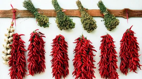 Co dělat, aby vám sušené chilli papričky dlouho vydržely