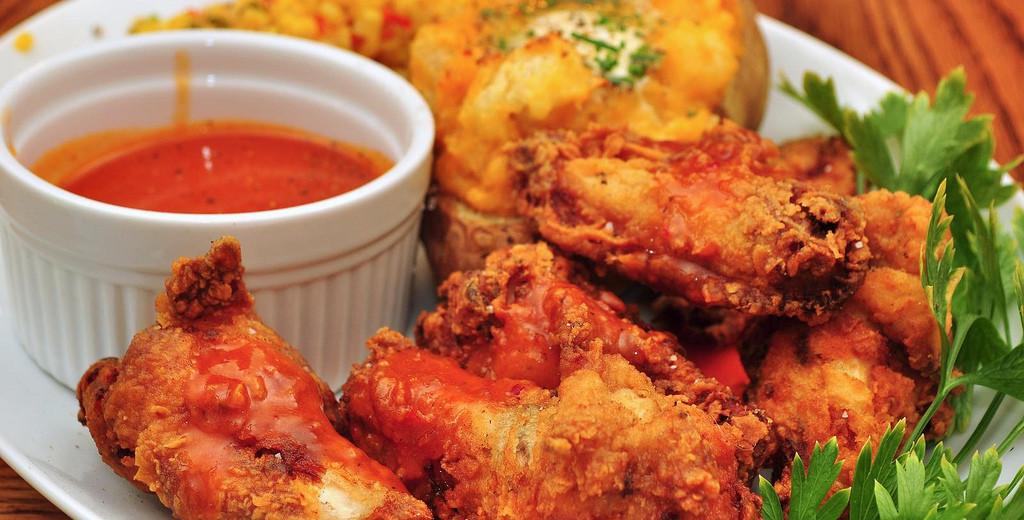 Křupavá ostrá kuřecí křidélka – recept zdarma