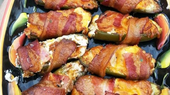 Sýrové jalapenos v křupavé slanině