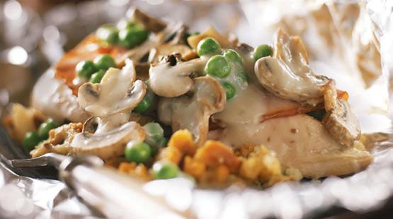 Kuře s houbovým krémem na grilu