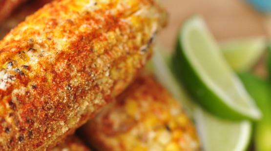 Grilované kukuřičné klasy s barbecue krustou